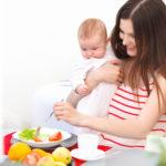 Чек-лист худеющей мамы: как вернуться в форму и «не потерять себя» за новогодним столом